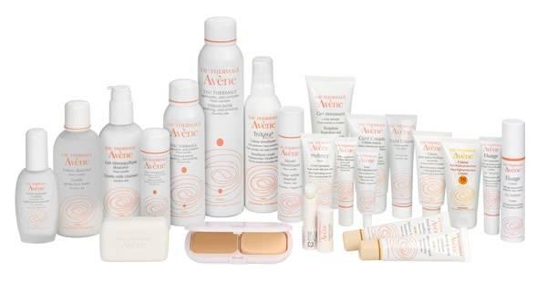 Produits de dermatologie et de cosmétologie en vente à la